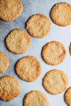 These sesame seed crisps are a staple during the Chinese New Year. They're simple to make and super delicious! Sesame Seeds Recipes, Recipe With Sesame Seeds, Recipe For Sesame Cookies, Cookie Recipes, Dessert Recipes, Desserts, Seed Cookies, Vegan Party Food, Homemade Crackers