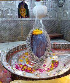 No photo description available. Mahakal Shiva, Shiva Statue, Rudra Shiva, Shiva Art, Lord Shiva Hd Images, Krishna Images, Janmashtami Decoration, Shiva Shankar, Shiva Linga