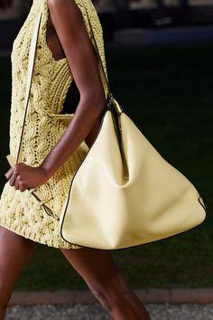 Salvatore Ferragamo, Vogue Paris, Fashion News, Fashion Show, Fashion Trends, Edgy Shoes, Fur Skirt, Knitwear Fashion, Best Handbags