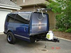 .Looks nice...  No details but appears to be the south end of an Astro Van.