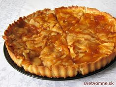 Výborný koláč jemnej maslovej chuti plný šťavnatých jabĺk. Jedna porcia vám bude zaručene málo :) French Apple Tart, Apple Tart Recipe, Czech Recipes, Sweet Cakes, Desert Recipes, Sweet Recipes, Baking Recipes, Sweet Tooth, Sweet Treats