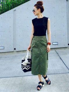 新しいカーゴスカートを セールで買いました☺︎ まさにこんな感じの デザインが欲しかったので(^∇^