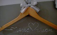 Perchas personalizadas. Buscanos en www.giftseventos.es o facebook:http://www.facebook.com/GiftsEventos?ref=hl