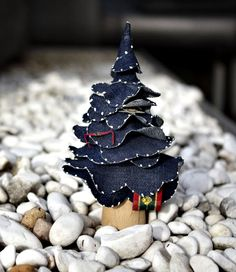 "Upcycled Denim Christmas Tree! :: I'll use faded, light denim w/frayed edges and lose the white dots (beads or paint?) ... so mine will be ""recycled"" not ""upcycled"" ... !"