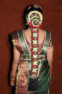 Latest Pelli Poola Jada Designs, Poola Jada Designs for Wedding, Pelli P. South Indian Wedding Hairstyles, South Indian Bride Hairstyle, Indian Hairstyles, Bride Hairstyles, Hairdos, Bridal Braids, Bridal Hairdo, Wedding Hair Flowers, Flowers In Hair