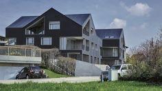 Erstes völlig energieautarkes Mehrfamilienhaus der Welt fertiggestellt  -  In der Schweiz ist jetzt ein Mietshaus eingeweiht worden, das nicht an die Energienetze angeschlossen ist - die Mietkosten sind dabei nicht höher als anderswo.