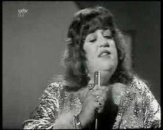 """Mama Cass Eliot - """"Dream a little dream of me"""" (1967, live) [http://marketing4creatives.com/]"""