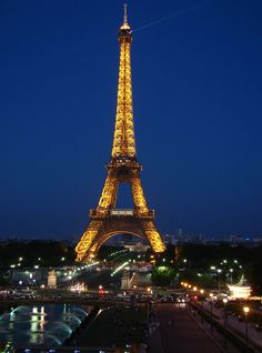 I'd love to vacation here toureiffel