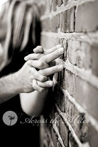 engagement photo ideas - I like this, but would be better if you could see the ring.