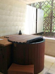 japanese soaking tub Possible to put this in below floor line and insulate below