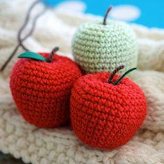Greedy For Colour - Crochet apple pattern for International Yarn Bombing Day Crochet Animal Patterns, Stuffed Animal Patterns, Crochet Patterns Amigurumi, Crochet Animals, Crochet Dolls, Knitting Patterns, Crochet Apple, Crochet Fruit, Crochet Food