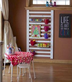Fabulous DIY Ideas to Repurpose Old Cribs. Old Baby Cribs, Baby Crib Diy, Old Cribs, Repurposed Furniture, Kids Furniture, Furniture Projects, Garden Furniture, Crib Rail, Crib Mattress