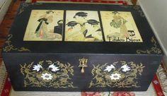 Baú pintado à mão. Pintura acrílica sobre madeira. Figuras orientais (decoupage)