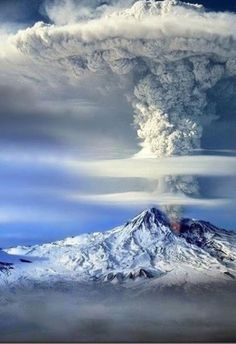 Mount Ararat in Turkey is a snow-capped, dormant volcanic cone. It has two peaks: Greater Ararat (the highest peak in Turkey) and Lesser Ararat. Beautiful Photos Of Nature, Beautiful Places In The World, Beautiful Landscapes, Beautiful Pictures, Nature Pictures, Beautiful Mess, Amazing Photos, Amazing Places, Natural Phenomena
