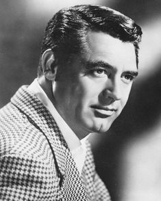 Vintage Hollywood, Classic Hollywood, Gary Grant, Drama, Old Movie Stars, Charming Man, Celebrity Portraits, Old Movies, Famous Faces