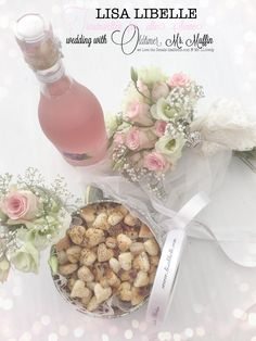 Ich durfte heute für den gebuchten  LISA LIBELLE-Wedding-Package viele zauberhafte Blumen arrangieren, einiges backen und noch vieles mehr ...  Oldtimer Mr. Muffin Dem Brautpaar erwarten romantische Momente und lovely-Details ...