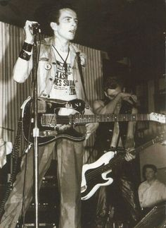 The Clash Joe Strummer Live with Fender Telecaster guitar 8 x 11 pin-up photo The Clash Band, Toast Of London, The Future Is Unwritten, Paul Simonon, Mick Jones, British Punk, Pork Pie Hat, 70s Punk, Telecaster Guitar