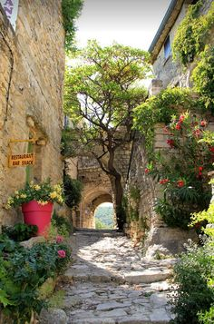 "village of Crestet, Vaucluse / France. ""Picturesque village of Crestet, Vaucluse / France (by Jean).""""Picturesque village of Crestet, Vaucluse / France (by Jean). Wonderful Places, Beautiful Places, Beautiful Flowers, Places Around The World, Around The Worlds, Ville France, France Art, France Photos, Provence France"