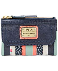 Fossil has modern boho style all stitched up with this patchwork multifunction wallet that secures cards, coins and cash in soft, supple leather with a great hand feel. | Leather; lining: polyester |