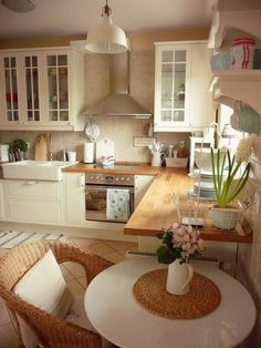 10 Designs Perfect for Your Tiny Kitchen area Small Kitchen Remodel area Designs Kitchen kitchenislandkitchentablekitche Perfect Tiny Home Decor Kitchen, Country Kitchen, New Kitchen, Kitchen Interior, Home Kitchens, Cottage Kitchens, Kitchen Wood, Kitchen Ideas, Kitchen Island