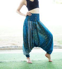 Türkis Peacock Feather Boho Classic Harem Pants von MaeYing auf Etsy