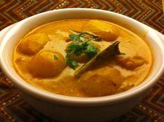 How To Make Kashmiri Dum Aloo, Food Recipes  http://www.foodrecipesbooks.blogspot.in/2015/03/kashmiri-dum-aloo.html