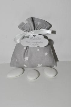 pochon ballotin de dragées étoile gris baptême,communion personnalisée étiquette nuage pour baptême,mariage,communion : Autres bébé par lbm-creation