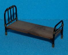 1/24th Scale Small Servants Bed - Homes In Miniature