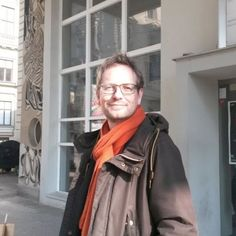 """mit Mats Staub, #Basel: """"Ich bin mit 21 von zuhause ausgezogen, habe angefangen zu studieren, bin leider doch nicht zum Zirkus gegangen, habe aber 10 Jahre später gemerkt, dass mein Leben in diesem Jahr eine völlig andere Richtung genommen hat."""" Mats Staub: """"21-Erinnerungen ans Erwachsenwerden"""""""
