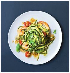 Prep Time: 20 Minutes Cooking Time: 10 MinutesServes 4 A quick and healthy dinner, this courgetti dish is a balance of simple but delicious flavours and the prawns are a good source of essential fatty acids that our bodies don Easy Prawn Recipes, Pasta Dinner Recipes, Wrap Recipes, Healthy Recipes, Courgetti Recipe, Zucchini, Prawn Salad, Veggie Dinner, Veggie Meals