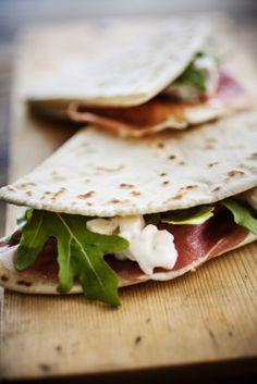 Prosciutto Crudo Ham, soft cheese and arugula italian flatbread. #Passion #Italy