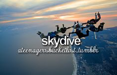 Skydiving ❤️   Travelling, volunteering or an wildlife/ cultural internship in South Africa? Arrange it with Studentsonsafari & get inspired here!  www.studentsonsafari.nl