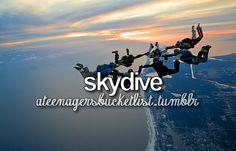 Skydiving ❤️   Travelling, volunteering or an wildlife/ cultural internship in South Africa? Arrange it with Studentsonsafari & get inspired here!  www.studentsonsafari.nl