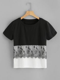 Casual Colorblock Regular Fit Round Neck Short Sleeve Pullovers Black and White Regular Length Eyelash Lace Panel Two Tone Tee Diy Clothes, Clothes For Women, Style Clothes, Le Polo, Shirt Bluse, Mode Hijab, Lace Fabric, Refashion, Blouse Designs