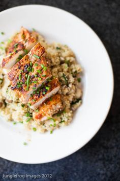 Harissa chicken with quinoa---looks good. It has one of my new favorite food...quinoa.  #goodfood