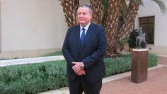 La trayectoria política de Francisco Martín Bernabé Pérez, nuevo consejero de Fomento, Obras Públicas y Ordenación del Territorio de Murcia, incluye la Alcaldía de La Unión, cargo que ha ocupado desde 2007. http://noticias.lainformacion.com/politica/autoridades-locales/la-trayectoria-politica-de-bernabe-licenciado-en-derecho-incluye-la-alcaldia-de-la-union-desde-2007_o5sSYYiiye9c3cUXWGFIP2/