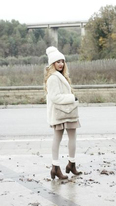 http://www.freakyfridayblog.com/2014/12/outfit-inverno-2015-total-white-o-quasi.html  GRAZIE DI CUORE @freakyfridays