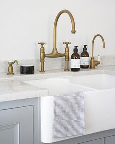 Scullery run with aged brass Perrin & Rowe taps. A soap dispenser, Ionian deck mounted tap and Parthian hot water tap installed in a beautiful Longford kitchen. kitchen accessories HM Antique Brass Taps - By Perrin & Rowe Kitchen Inspirations, Kitchen And Bath, Kitchen, Brass Kitchen Tap, Brass Kitchen Faucet, Kitchen Fixtures, Brass Kitchen, Brass Kitchen Hardware, Plum And Ashby
