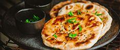 Ha elfogyott a kenyér, készíts naan-t: az indiai lepénykenyér pillanatok alatt elkészül - Receptek | Sóbors Naan, Baguette, Pizza, Cheese, Food, Essen, Meals, Yemek, Eten