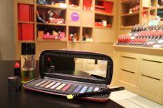 Quem disse Berenice?Kit Maquiagem - Paleta de sombras, demaquiante, batom e pincelR$ 195,60