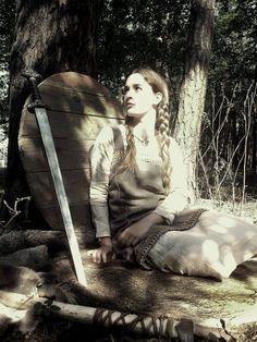 Viking girl by IlmarinenKowal