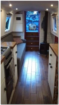 Houseboat Interiors Ideas (26)