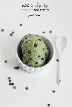 Mint Chocolate Avocado Ice Cream from Purely Twins! Plus 14 Green Recipes from FitFluential Ambassadors
