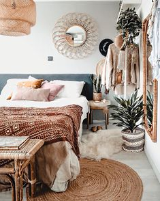 Bedtime already? The day started early today so getting to bed on time can not Bohemian Bedroom Decor Bed Bedtime Day early started Time today Home Bedroom, Bedroom Decor, Master Bedrooms, Bedroom Mirrors, Bedroom Ideas, Modern Bedroom, Luxurious Bedrooms, Luxury Bedrooms, Luxury Bedding
