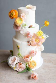 Luxury Wedding Cake, Elegant Wedding Cakes, Beautiful Wedding Cakes, Wedding Cake Designs, Beautiful Cakes, Amazing Cakes, Flower Cake Design, Floral Design, Wedding Cake Inspiration