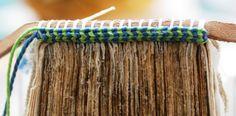 Pequeñas como son, las cabezadas, también llamadas guardapolvos, son uno de los grandes detalles de la encuadernación artesanal. Desarrolladas para proteger al libro las cabezadas hechas a mano no …