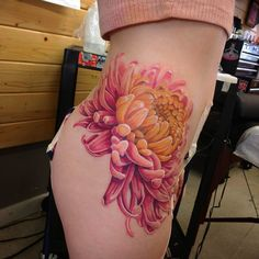 Tattoos and art by Matt Hawkins Dahlia Tattoo, Rose Tattoos, Leg Tattoos, Body Art Tattoos, Sleeve Tattoos, Tatoos, Realistic Flower Tattoo, Japanese Flower Tattoo, Crysanthemum Tattoo