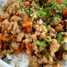 Teriyaki chicken rice bowls are a 30 minute dinner. Ground chicken, broccoli, and carrots simmer on the stove top in a delicious and simple teriyaki sauce. Ground Chicken Recipes, Turkey Recipes, Rice Recipes, Asian Recipes, Dinner Recipes, Cooking Recipes, Ground Chicken Tacos, Oriental Recipes, Cod Recipes
