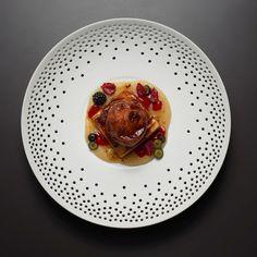 Außergewöhnlichen Tapas und leckere Desserts aus der Küche von Sternekoch Paco Pérez im Restaurant The Casual.