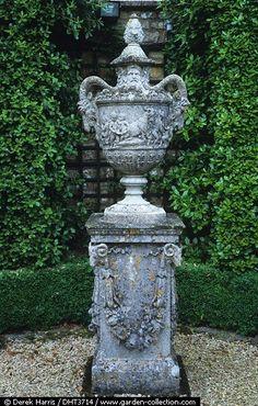 Fabulous stone urn